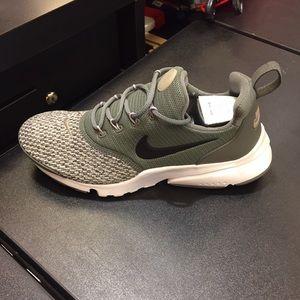 Army green presto nike sneakers